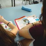 estudiantes en clase de ingles 3