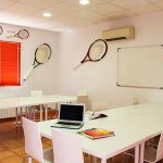 aula campamento de tenis